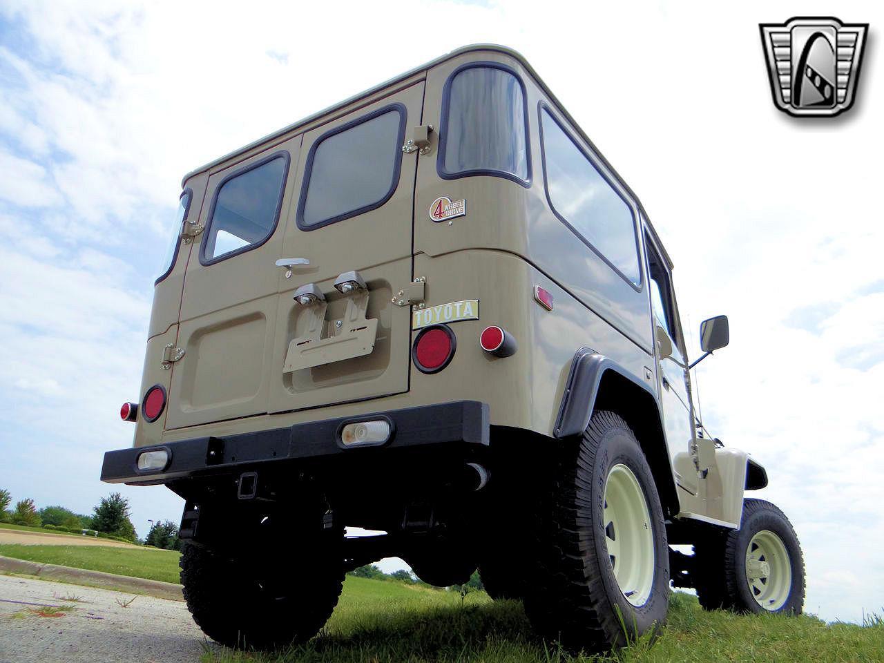1975 Toyota Land Cruiser FJ40 (CC-1340823) for sale in O'Fallon, Illinois