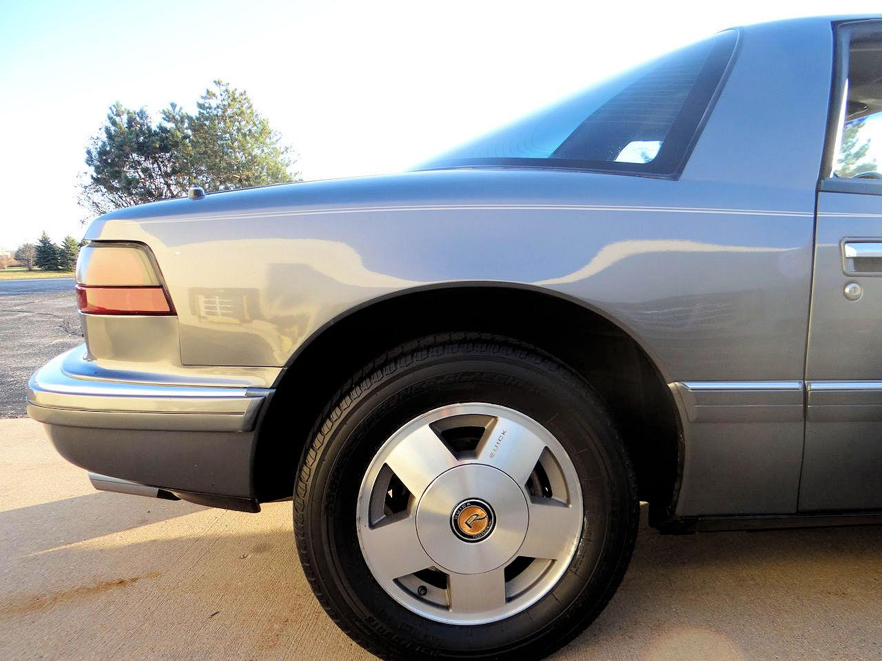 1989 Buick Reatta (CC-1340865) for sale in O'Fallon, Illinois