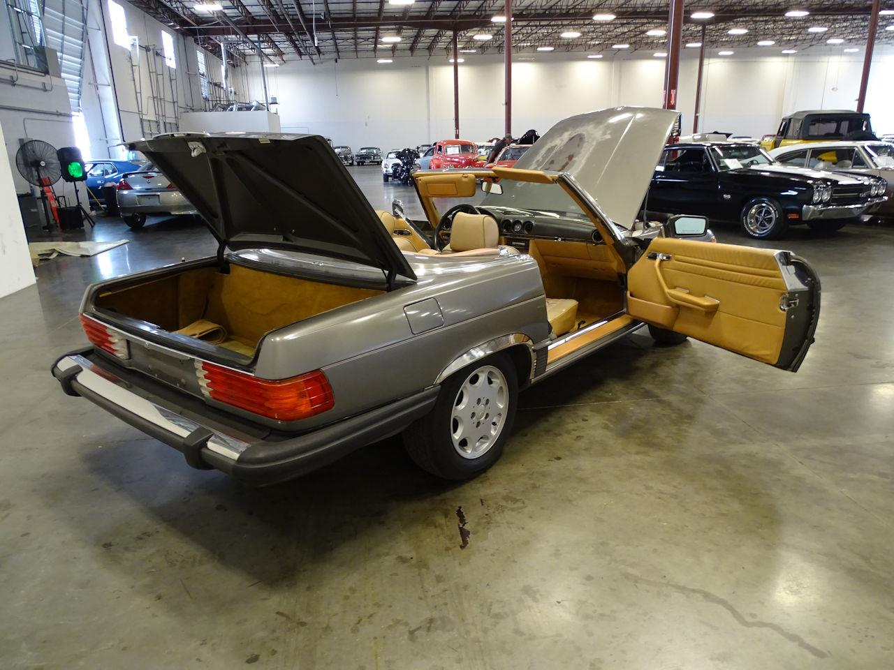 1987 Mercedes-Benz 560SL (CC-1351660) for sale in O'Fallon, Illinois
