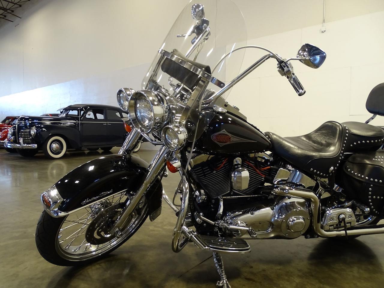 2001 Harley-Davidson Heritage Softail Classic (CC-1351674) for sale in O'Fallon, Illinois