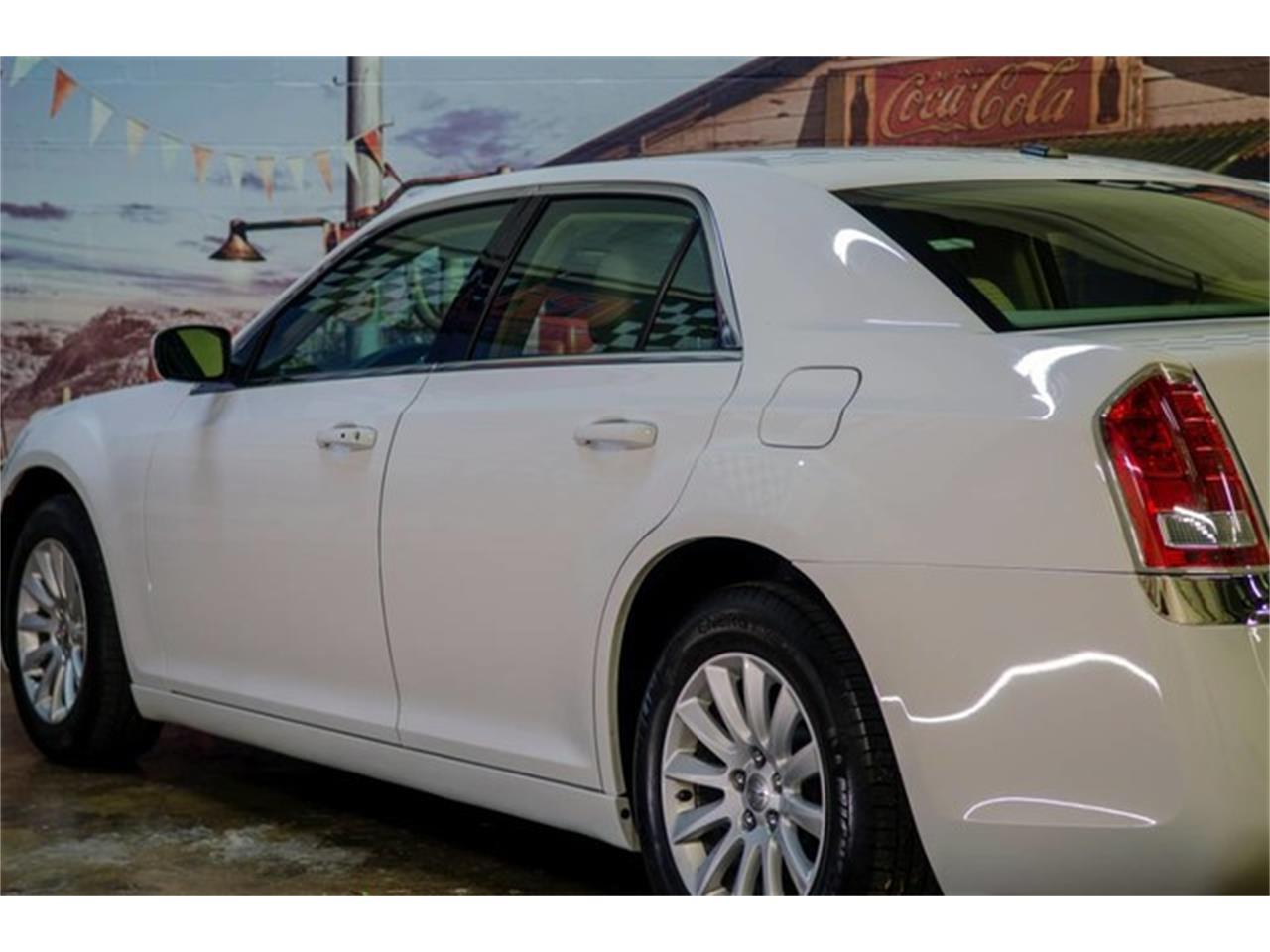2013 Chrysler 300 (CC-1352095) for sale in Bristol, Pennsylvania