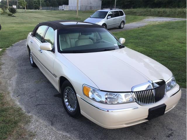 1998 Lincoln Town Car (CC-1355381) for sale in Greensboro, North Carolina