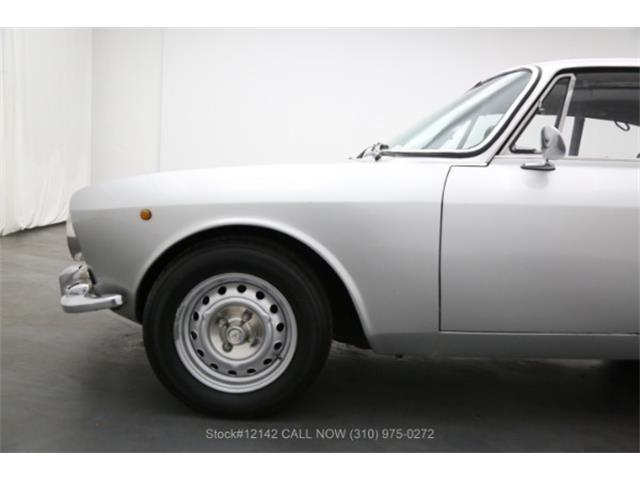1974 Alfa Romeo 2000 GT (CC-1358531) for sale in Beverly Hills, California