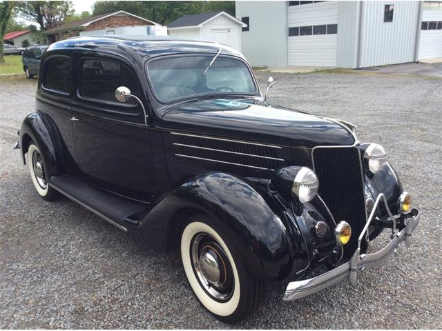 1936 Ford 2-Dr Sedan