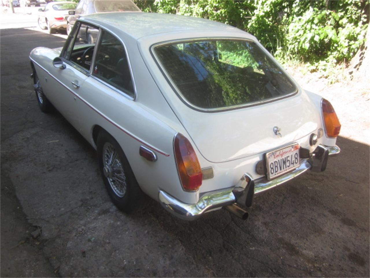 1972 MG MGB GT (CC-1360558) for sale in Stratford, Connecticut