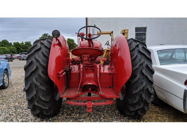 1956 International Tractor (CC-1374072) for sale in Mankato, Minnesota
