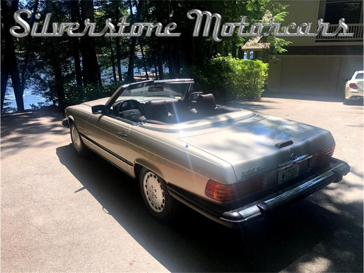 1988 Mercedes-Benz 560SL (CC-1374265) for sale in North Andover, Massachusetts