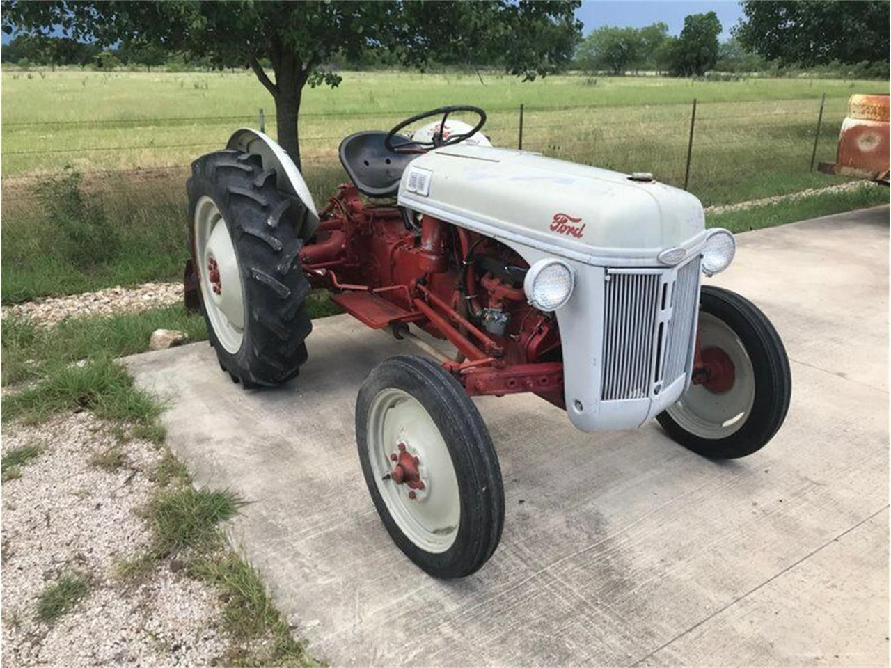 1951 Ford Tractor (CC-1374945) for sale in Fredericksburg, Texas