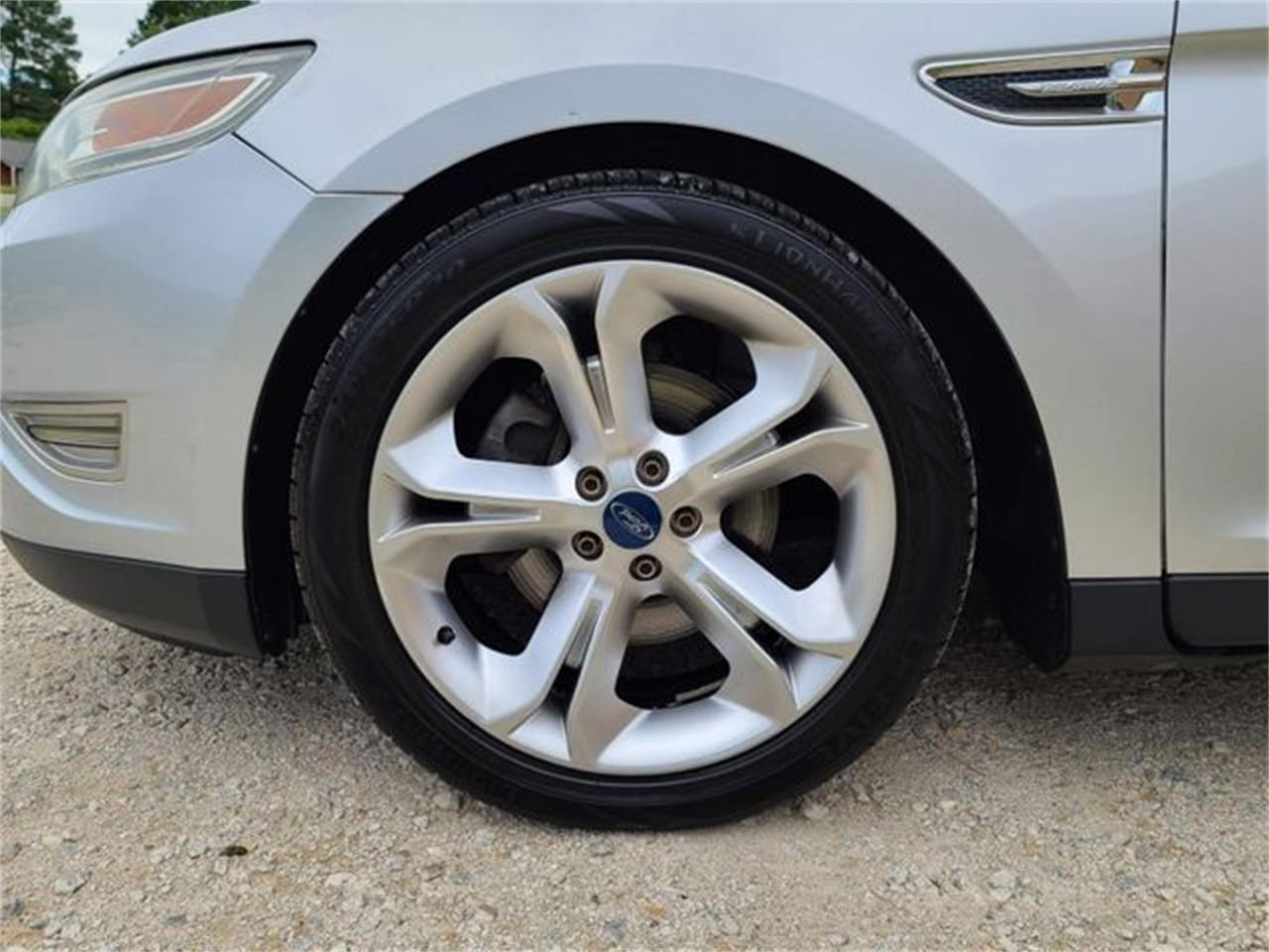 2010 Ford Taurus (CC-1379836) for sale in Hope Mills, North Carolina