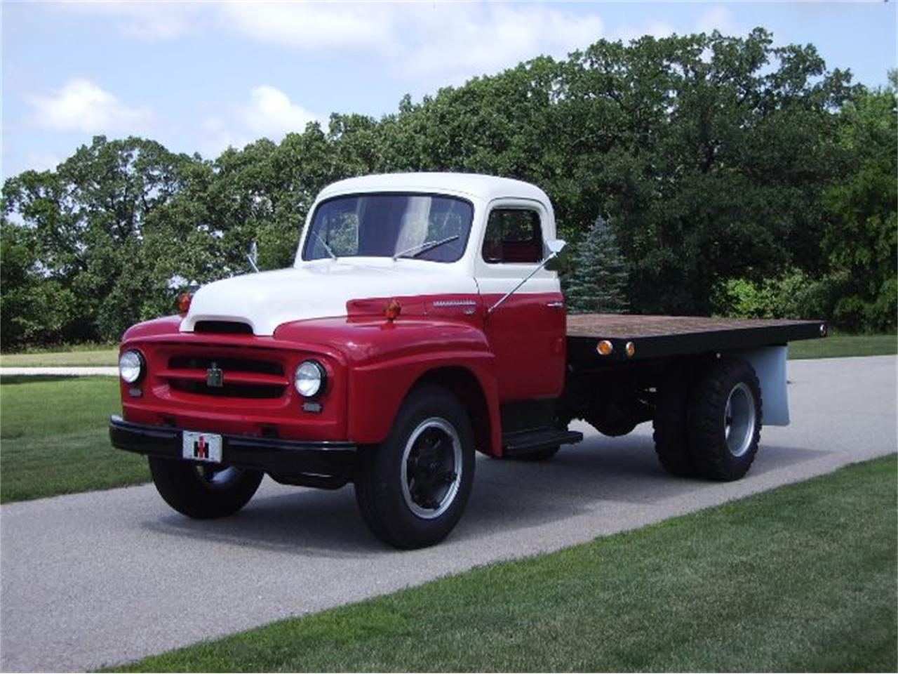 1955 International R172 (CC-1387150) for sale in Cadillac, Michigan