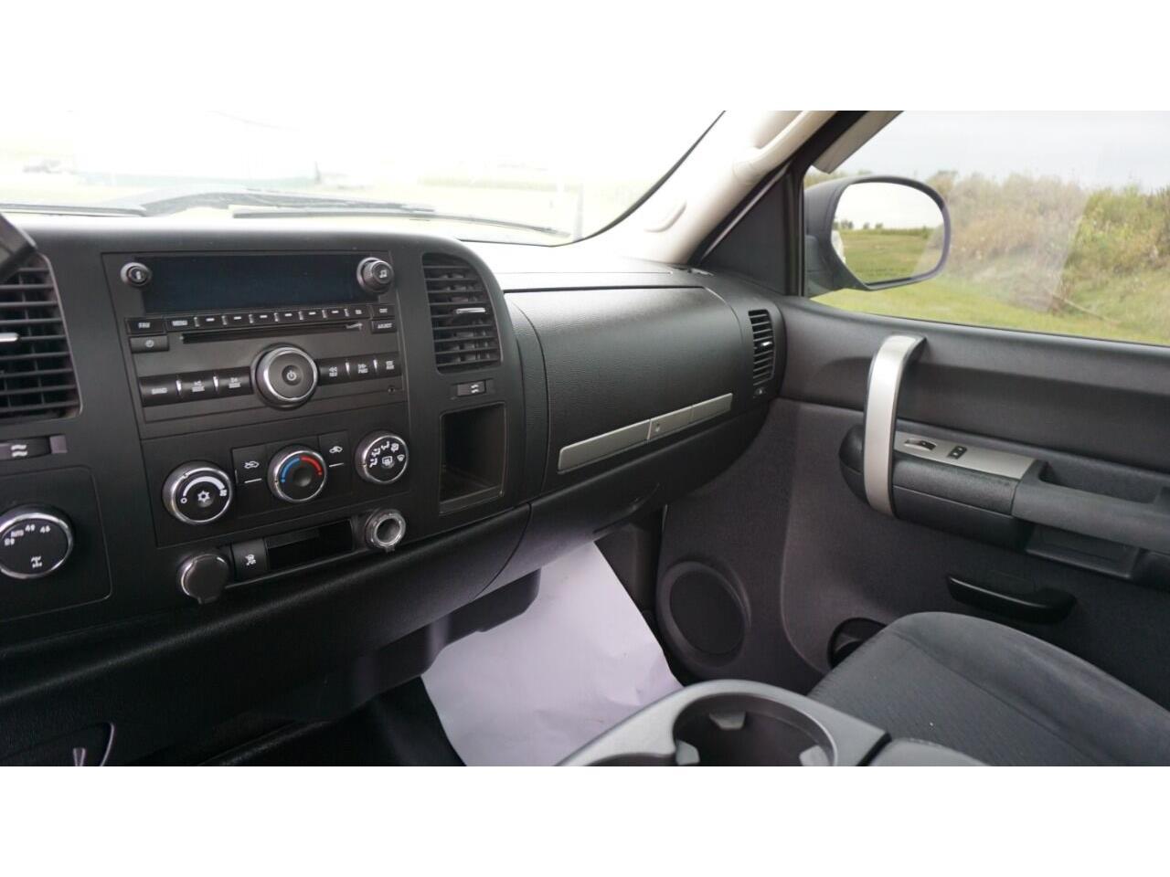 2009 Chevrolet Silverado (CC-1387182) for sale in Clarence, Iowa