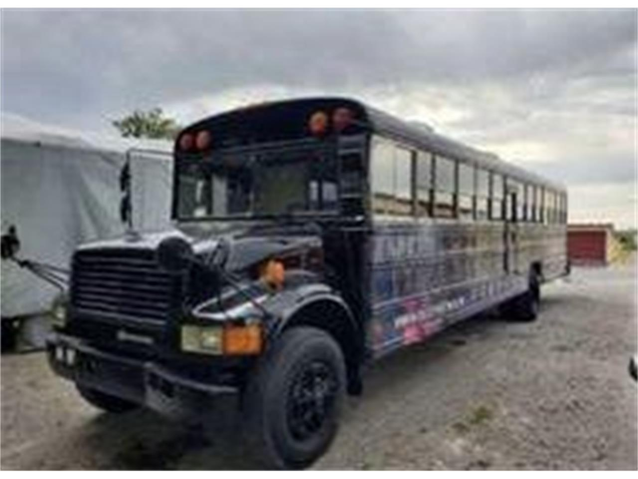 1992 International 3800 (CC-1391039) for sale in Cadillac, Michigan