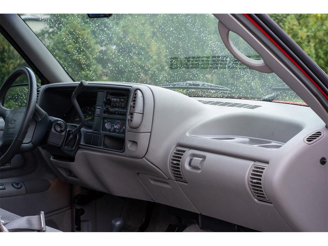 1995 Chevrolet Silverado (CC-1392592) for sale in Milford, Michigan