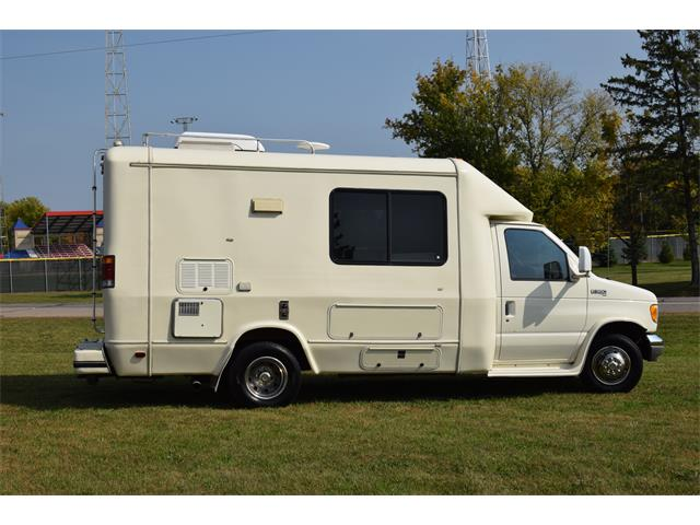 1996 Born Free Recreational Vehicle (CC-1392997) for sale in Watertown, Minnesota