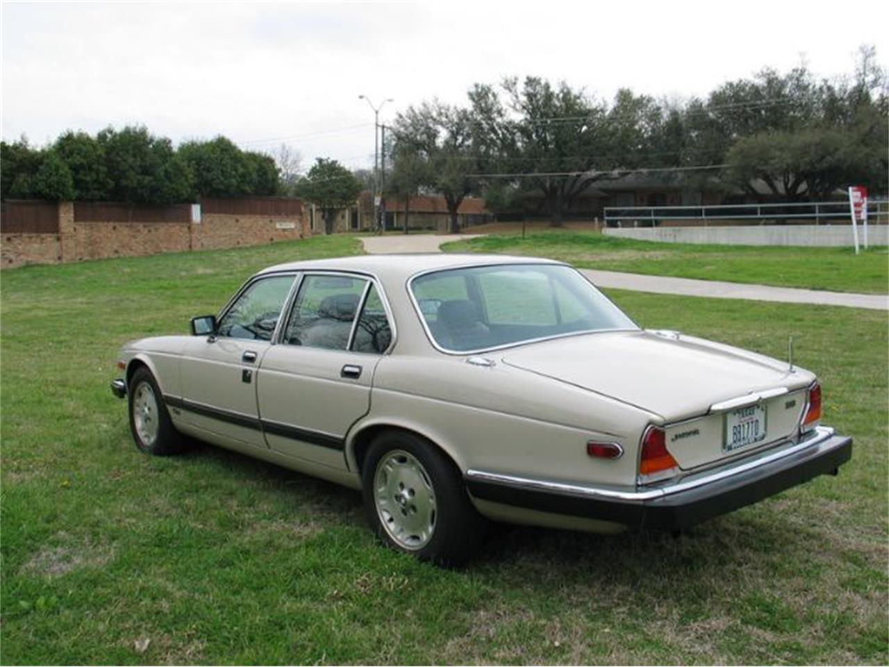 1984 Jaguar XJ6 (CC-1411182) for sale in Cadillac, Michigan