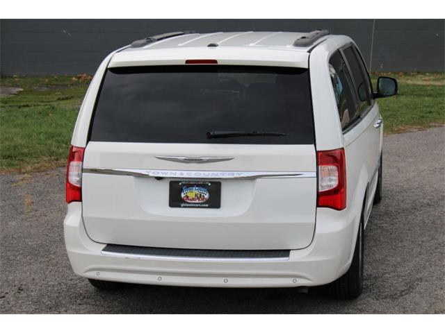 2011 Chrysler Town & Country (CC-1412185) for sale in Hilton, New York