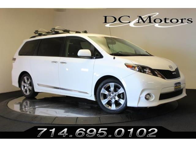 2013 Toyota Sienna (CC-1412257) for sale in Anaheim, California