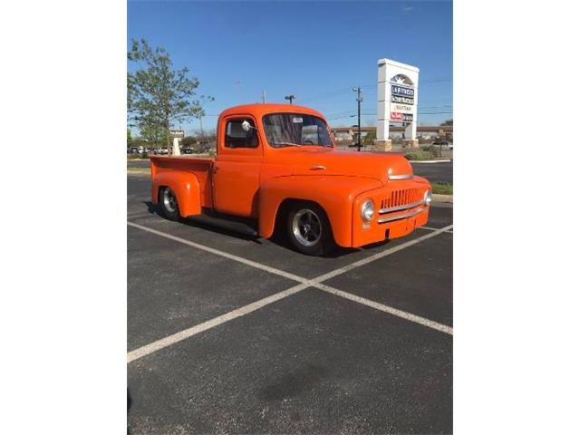 1952 International L110 (CC-1413053) for sale in Cadillac, Michigan