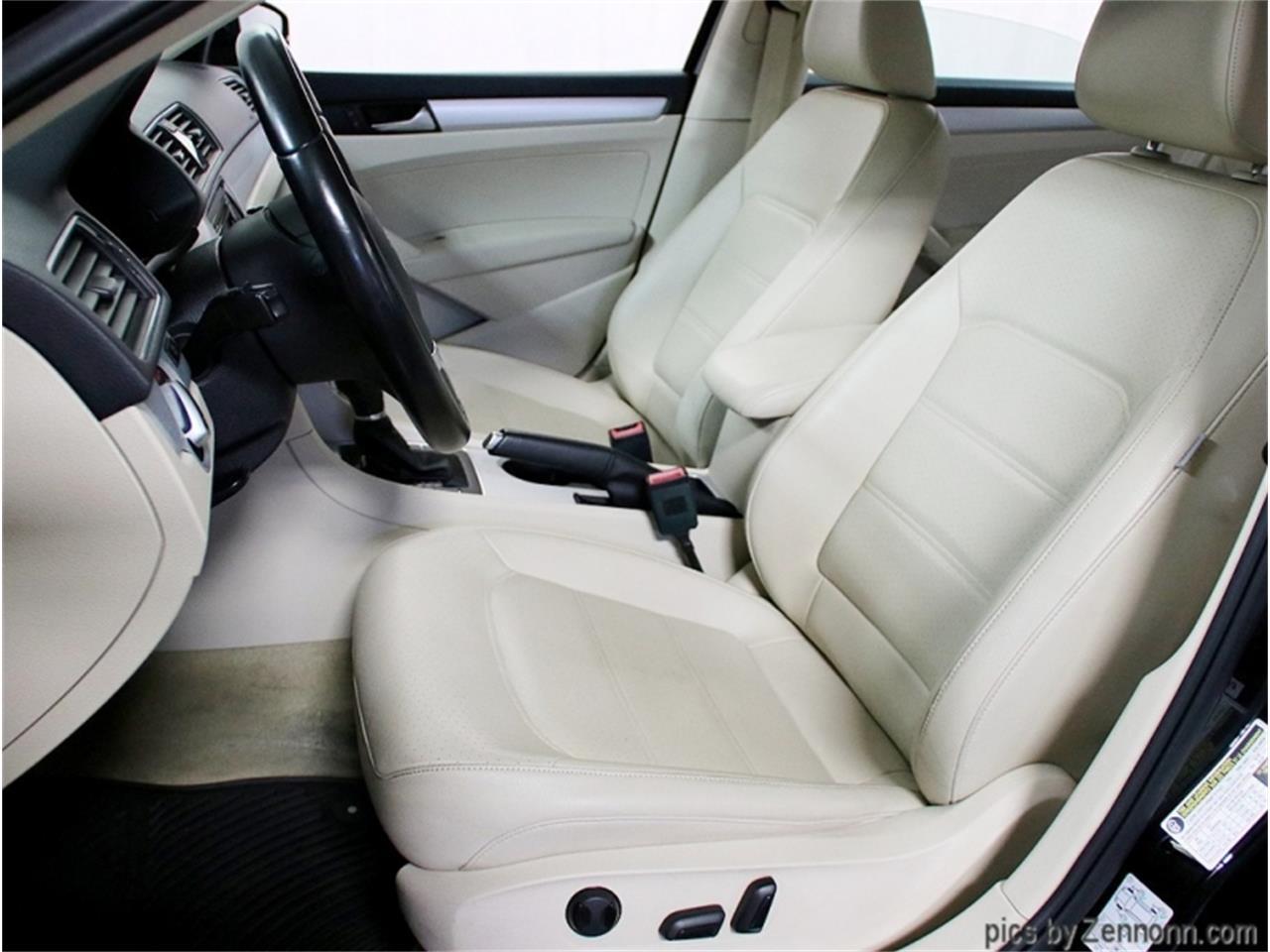 2013 Volkswagen Passat (CC-1413182) for sale in Addison, Illinois
