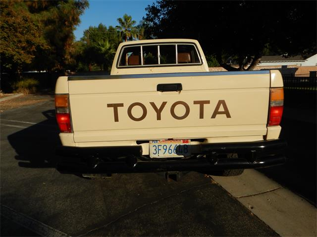 1986 Toyota Pickup (CC-1413944) for sale in Woodland Hills, California