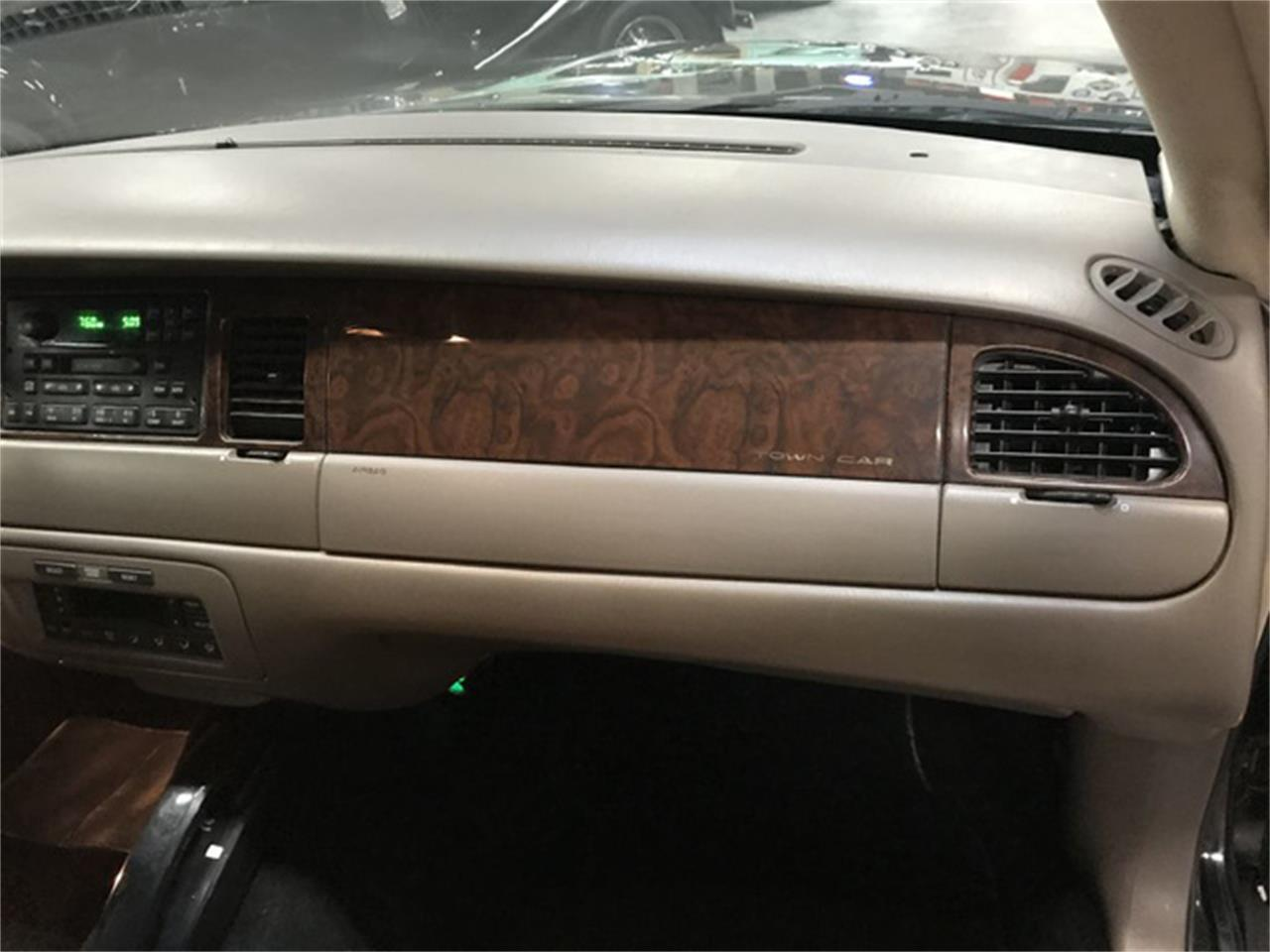 1998 Lincoln Town Car (CC-1414441) for sale in Jackson, Mississippi