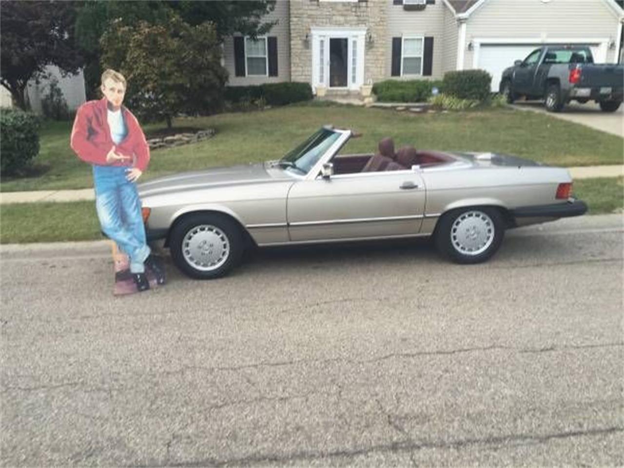 1987 Mercedes-Benz 560SL (CC-1410508) for sale in Cadillac, Michigan