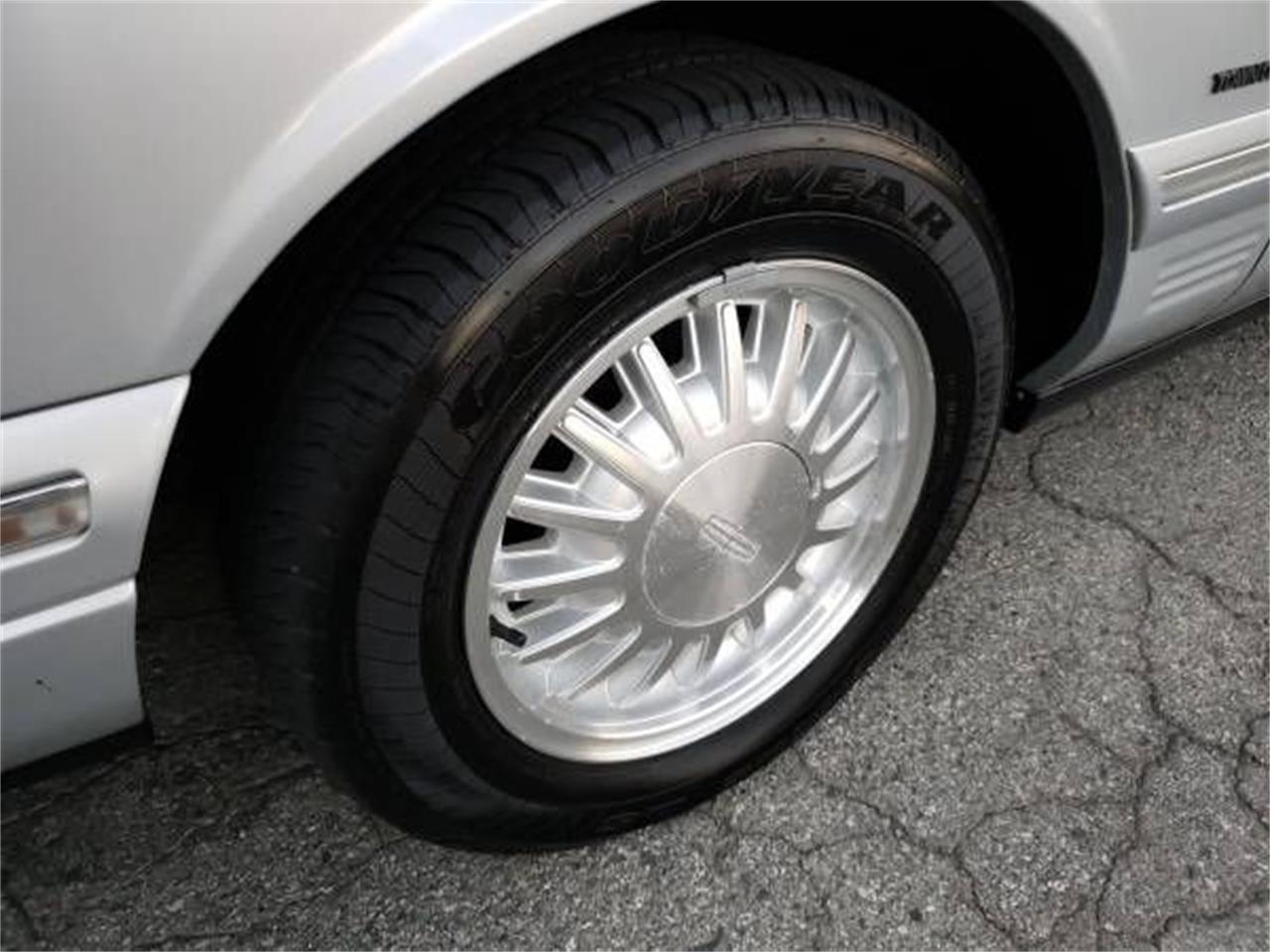 1997 Lincoln Continental (CC-1415150) for sale in Cadillac, Michigan