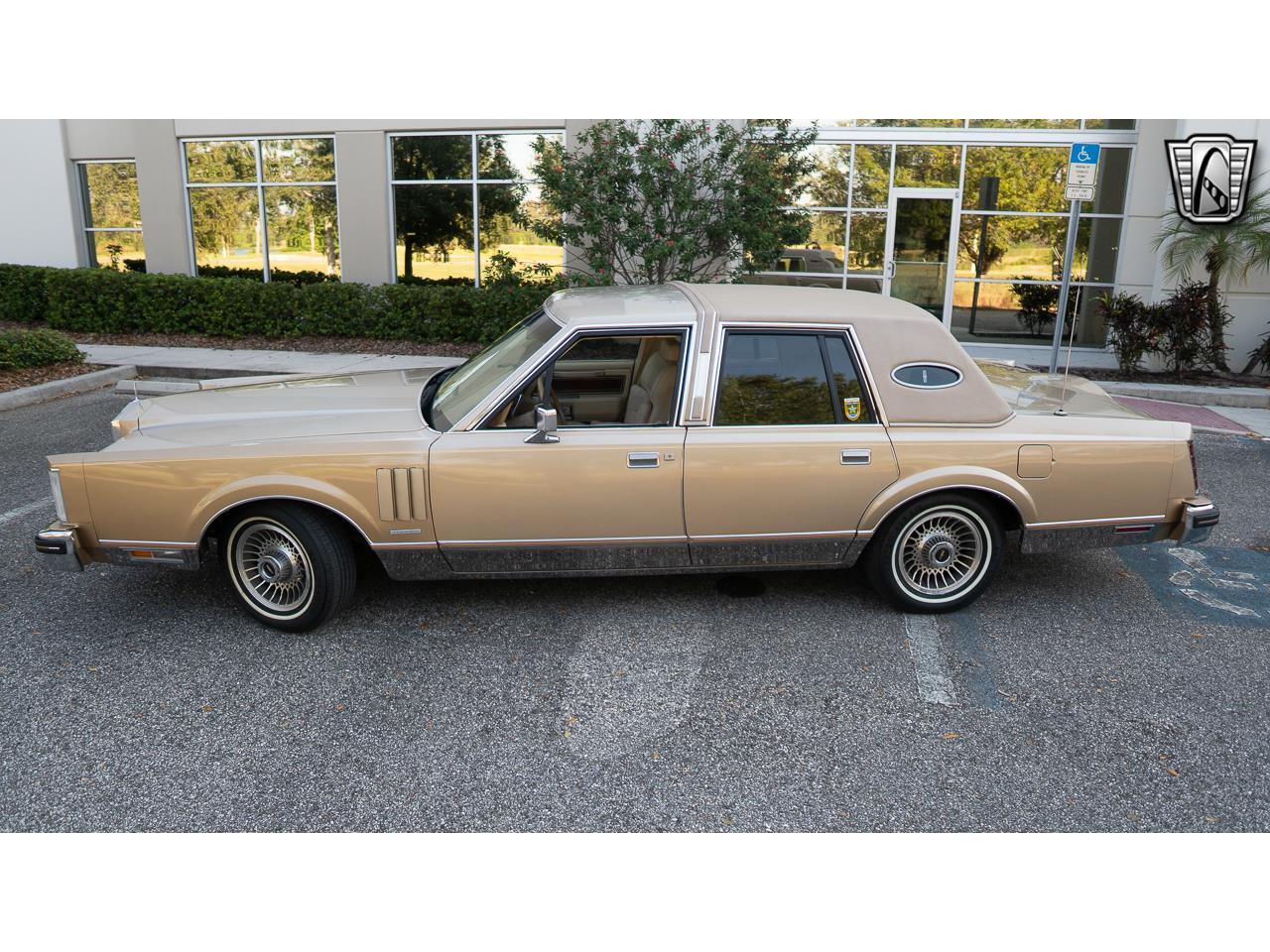1983 Lincoln Continental (CC-1415595) for sale in O'Fallon, Illinois