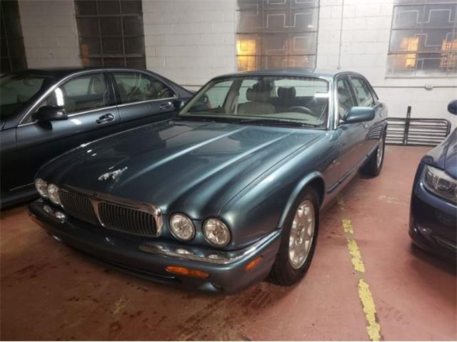 1998 Jaguar XJ8 (CC-1410573) for sale in Cadillac, Michigan