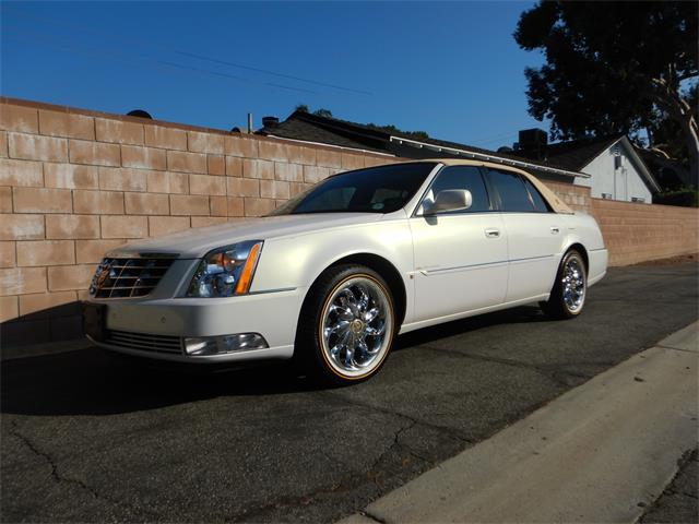 2007 Cadillac DTS (CC-1415994) for sale in Woodland Hills, California
