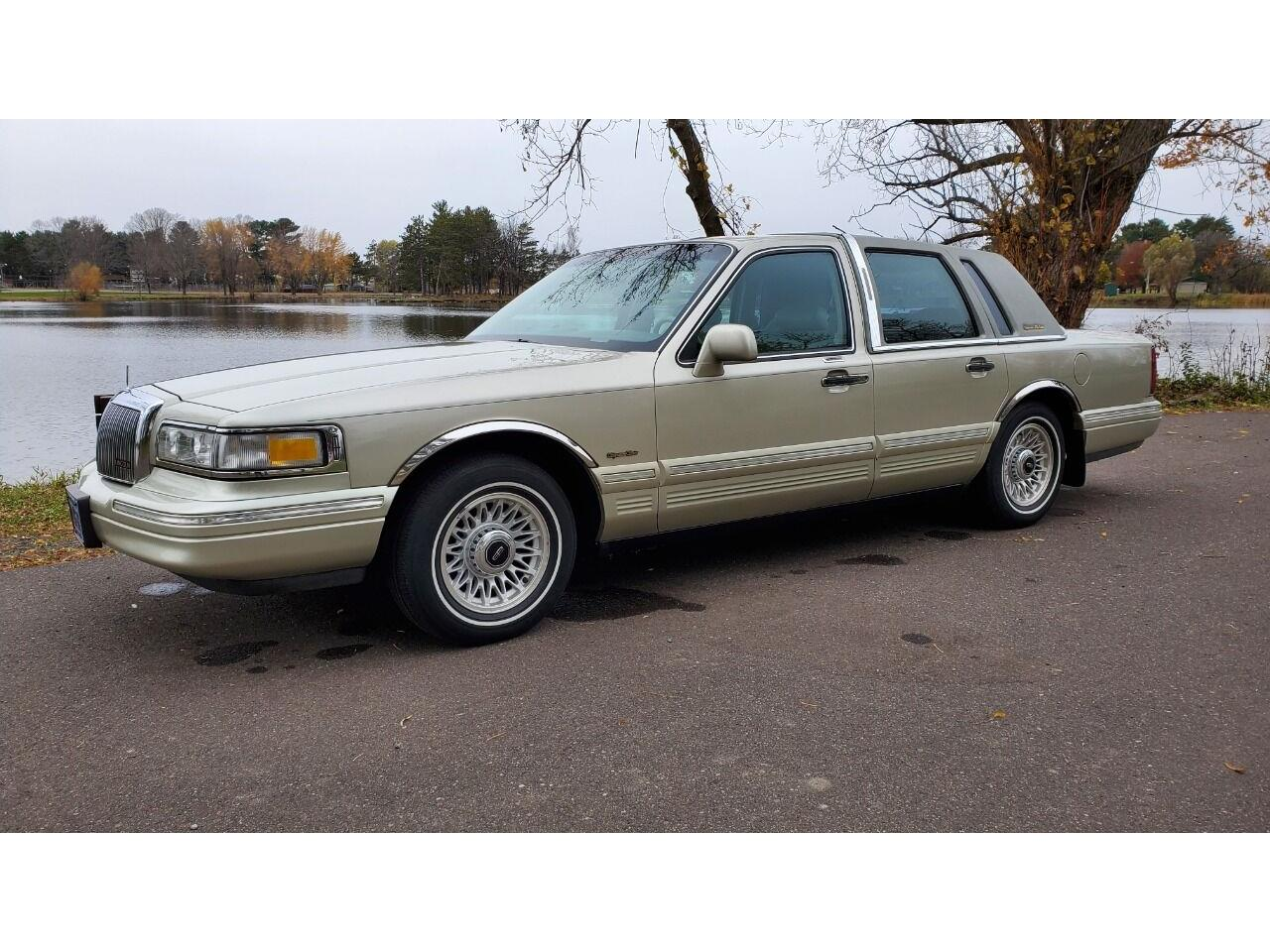 1997 Lincoln Town Car (CC-1417077) for sale in Stanley, Wisconsin