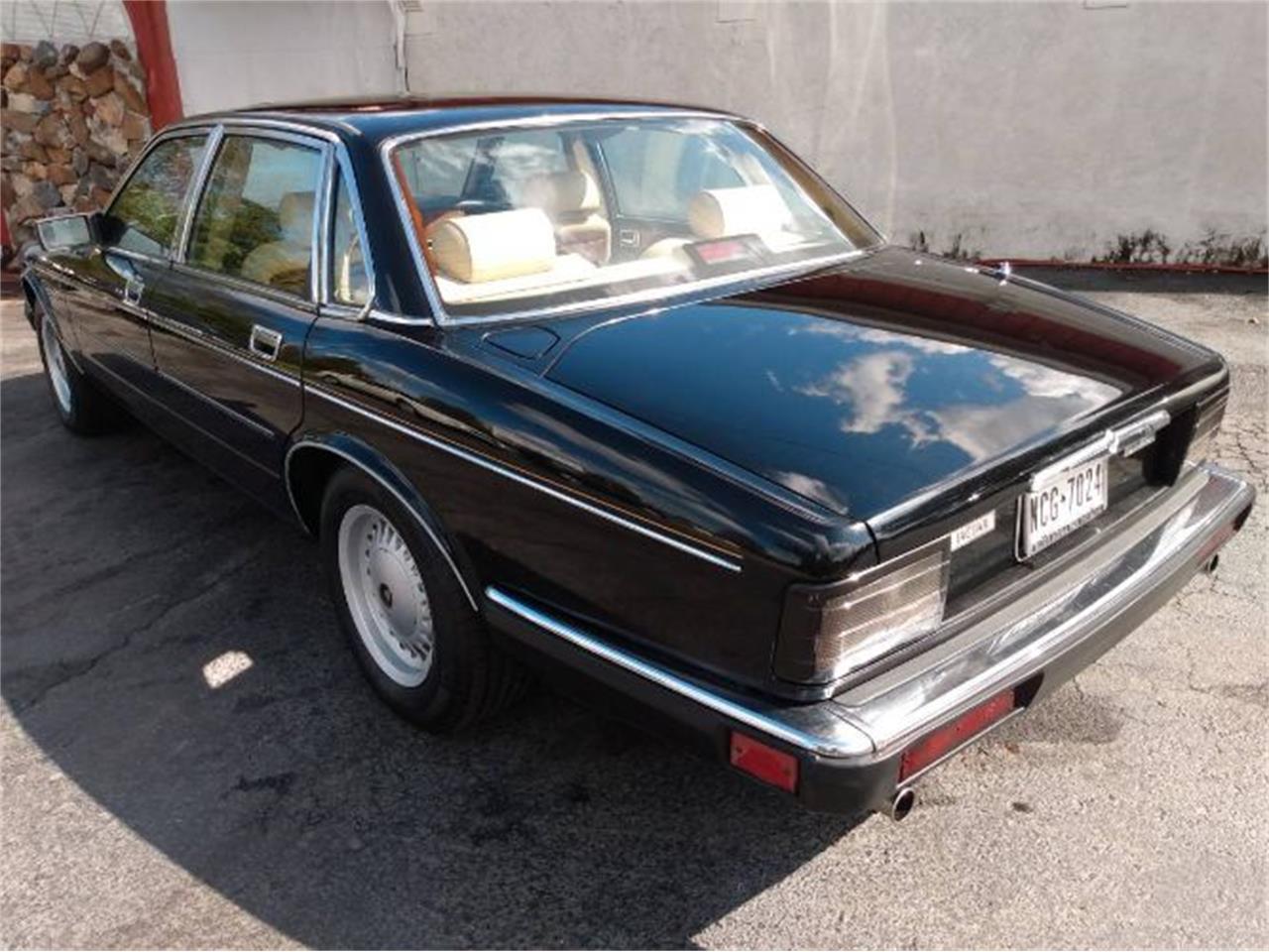 1989 Jaguar XJ6 (CC-1418558) for sale in Cadillac, Michigan