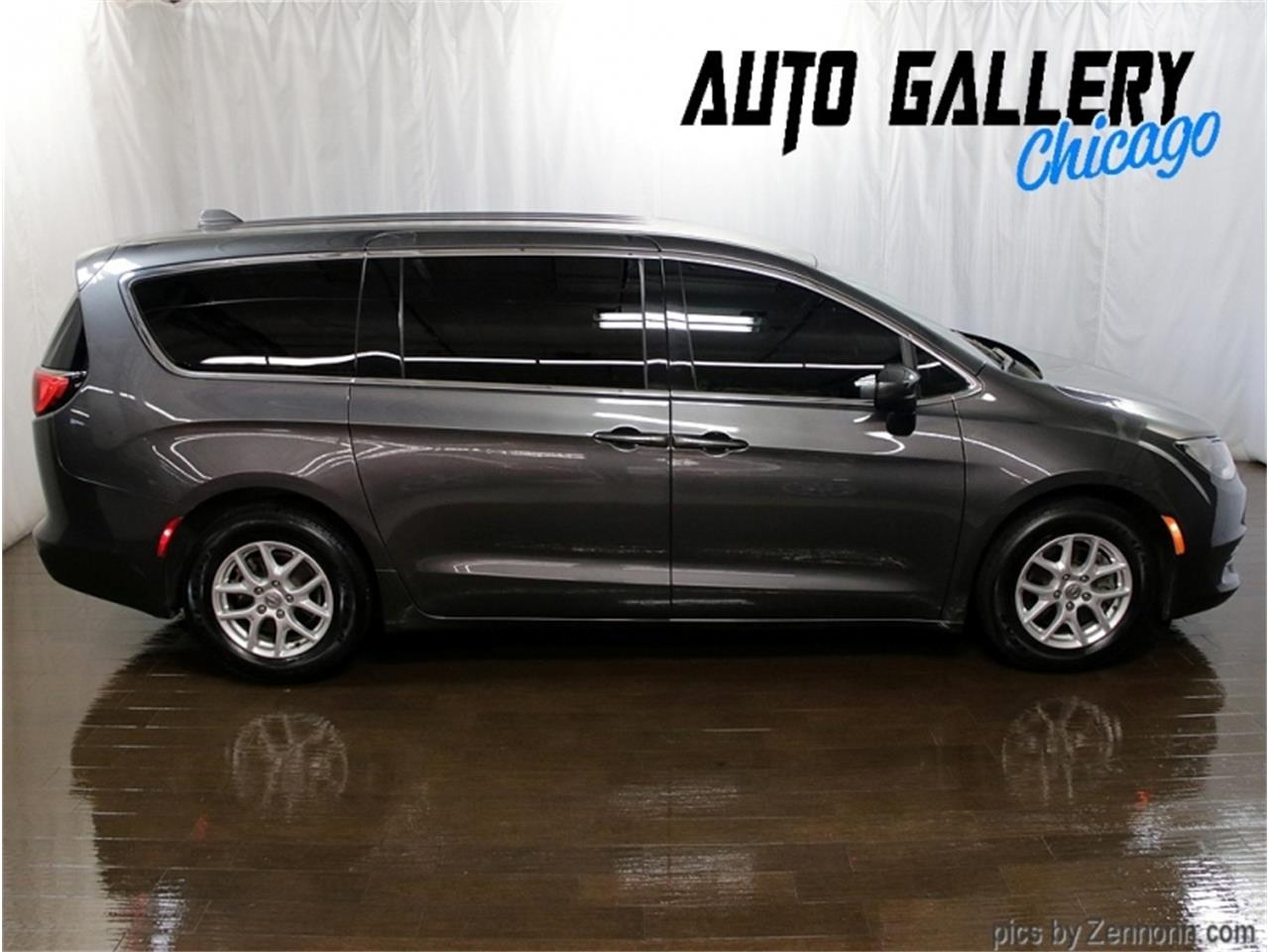 2017 Chrysler Pacifica (CC-1418607) for sale in Addison, Illinois