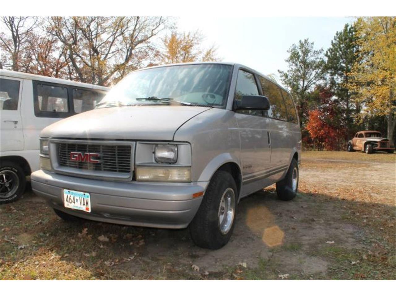 1997 GMC Safari (CC-1418767) for sale in Cadillac, Michigan