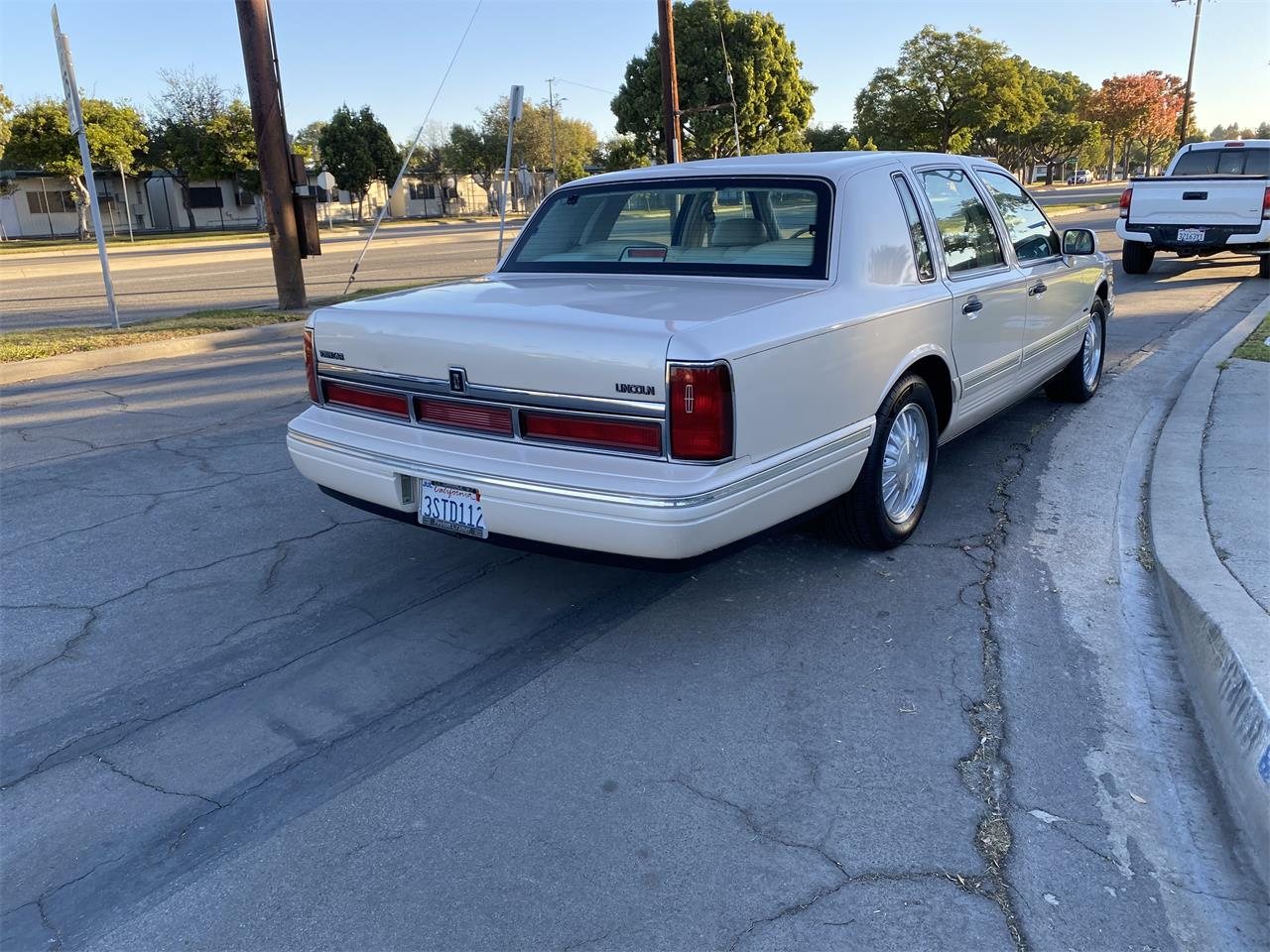 1996 Lincoln Town Car (CC-1422152) for sale in Lake Elsinore, California