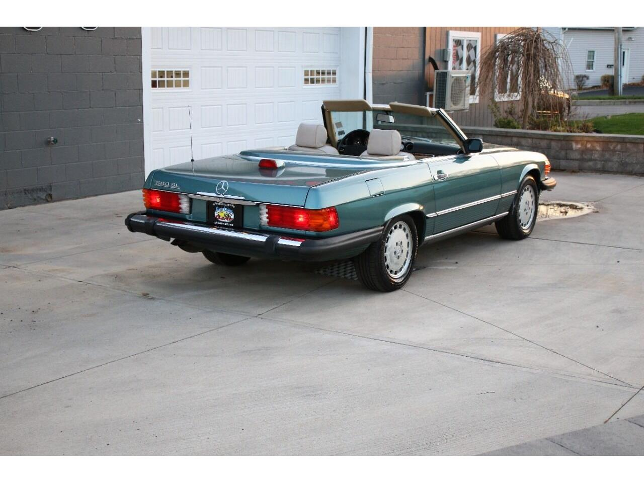 1986 Mercedes-Benz 560 (CC-1423617) for sale in Hilton, New York