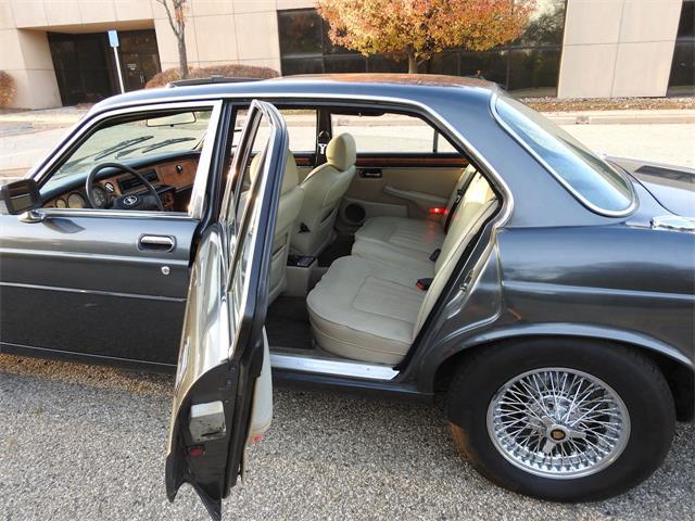 1983 Jaguar XJ6 (CC-1423942) for sale in O'Fallon, Illinois