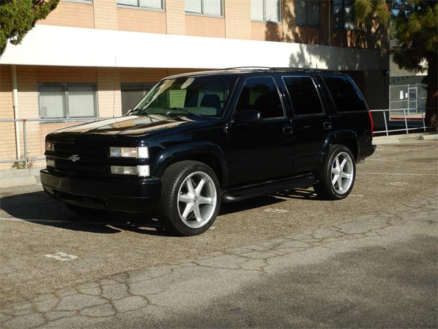 1998 Chevrolet Tahoe (CC-1424119) for sale in Woodland Hills, California
