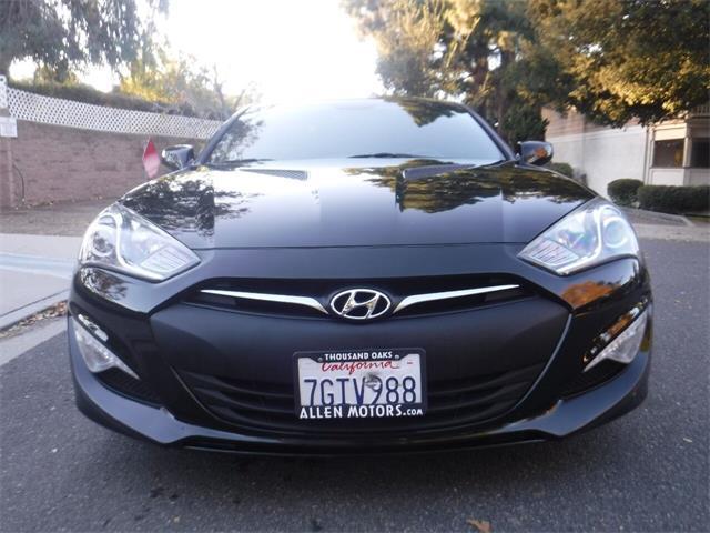 2014 Hyundai Genesis (CC-1426898) for sale in Thousand Oaks, California