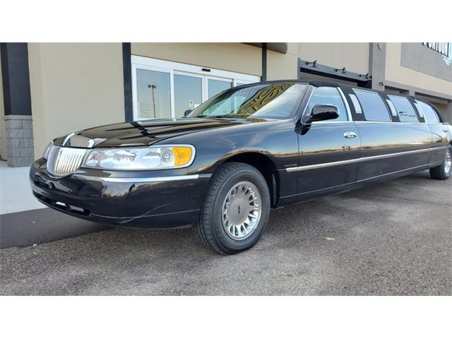 1999 Lincoln Town Car (CC-1420767) for sale in Mankato, Minnesota