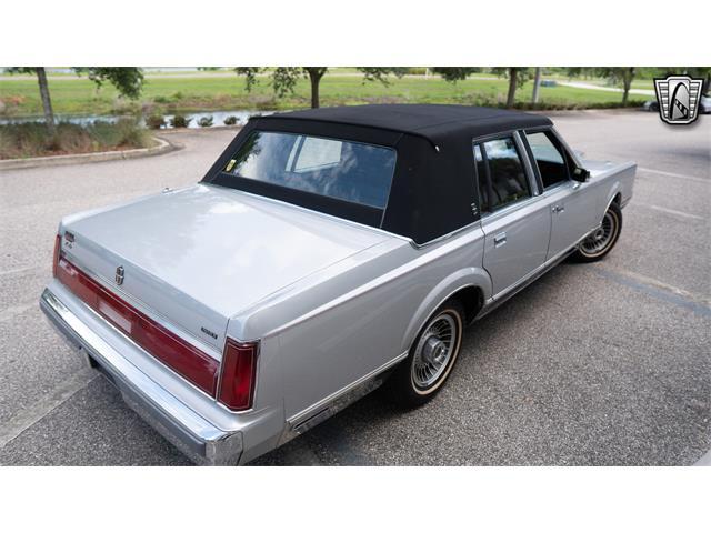 1986 Lincoln Town Car (CC-1427802) for sale in O'Fallon, Illinois