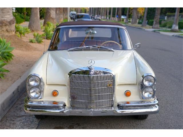 1965 Mercedes-Benz 220SE (CC-1428634) for sale in Beverly Hills, California