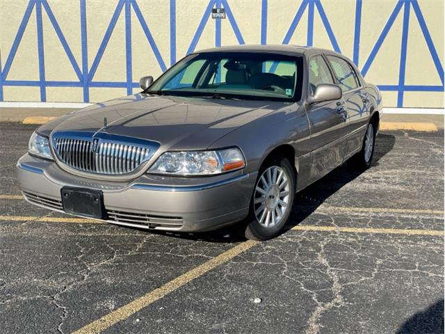 2003 Lincoln Town Car (CC-1428659) for sale in Mundelein, Illinois