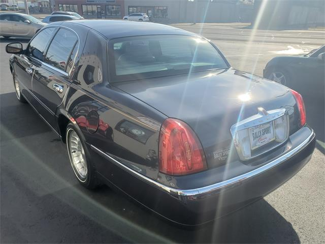1999 Lincoln Town Car (CC-1429025) for sale in Canton, Ohio