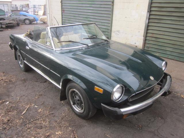 1981 Fiat 124 Spider 2000 (CC-1433248) for sale in Stratford, Connecticut
