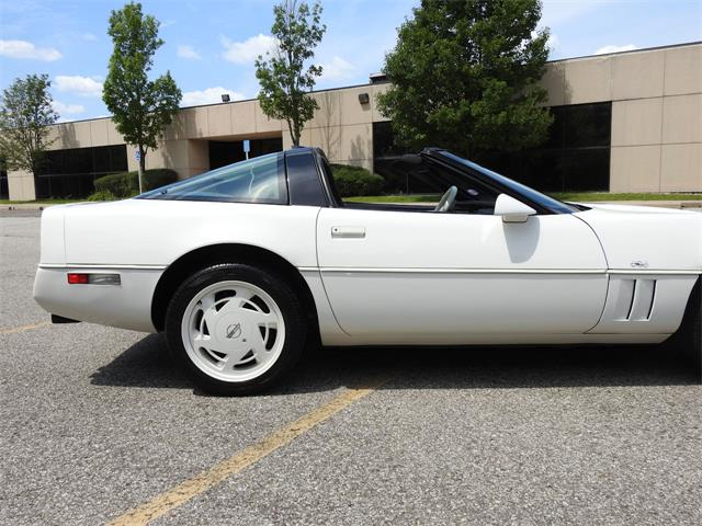 1988 Chevrolet Corvette (CC-1433582) for sale in O'Fallon, Illinois