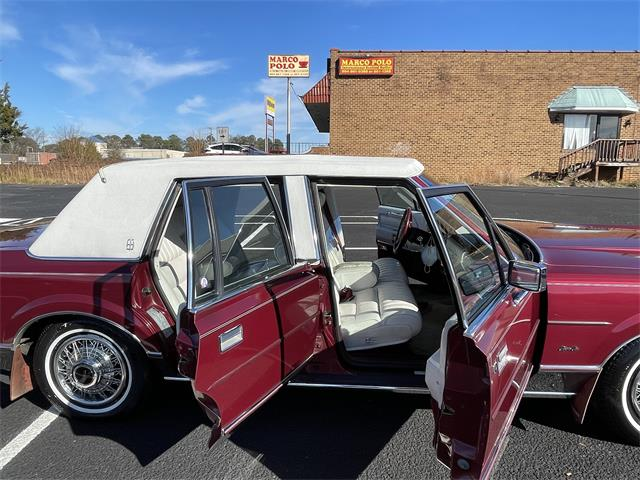 1989 Lincoln Town Car (CC-1433866) for sale in Petersburg, Virginia