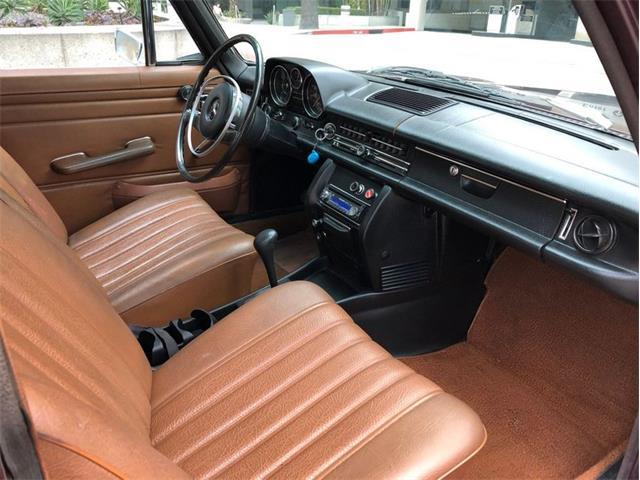1972 Mercedes-Benz 220 (CC-1433935) for sale in Glendale, California