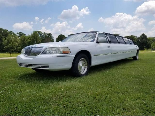 1999 Lincoln Town Car (CC-1434895) for sale in Cadillac, Michigan
