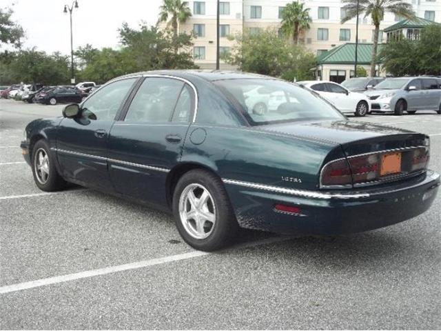 2000 Buick Park Avenue (CC-1434906) for sale in Cadillac, Michigan